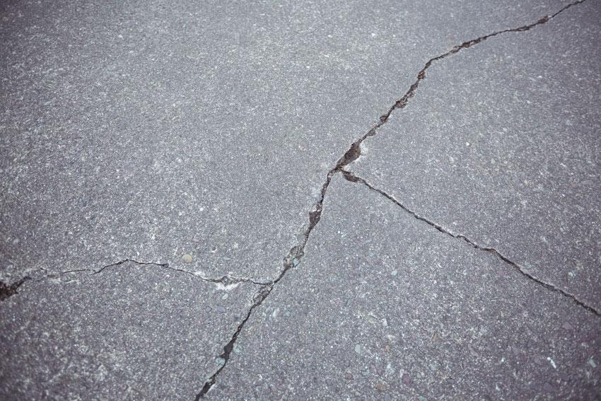 ilustrasi dak beton retak
